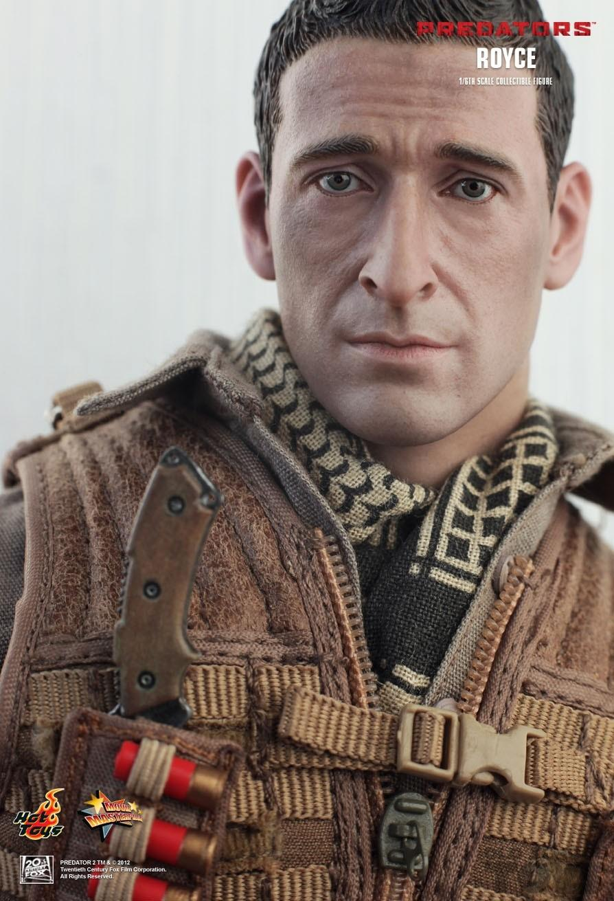 Review and photos of Hot Toys Predators Royce sixth scale